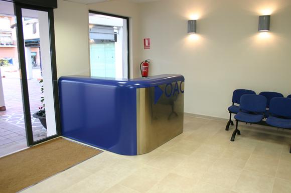 Dise o y producci n de mobiliario para oac ayuntamiento de for Mobiliario de oficina de diseno